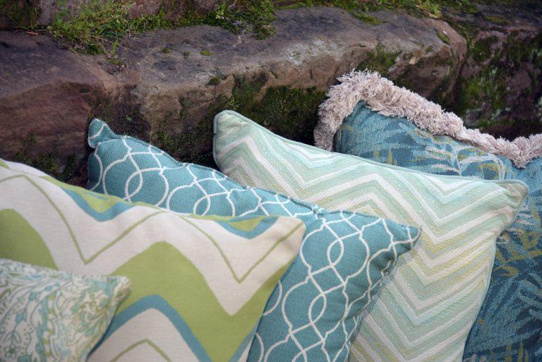Almofada e tecido para almofadas para exterior GeoBella Aqua Teal