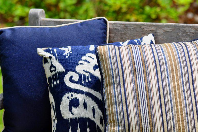 Almofada e tecido para almofadas para exterior GeoBella Blues