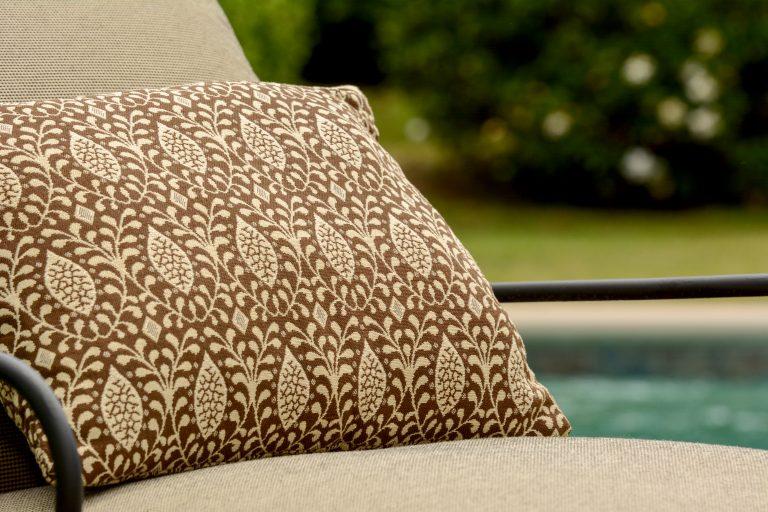 Almofada e tecido para almofadas para ambientes externos Phifer GeoBella Neutrals