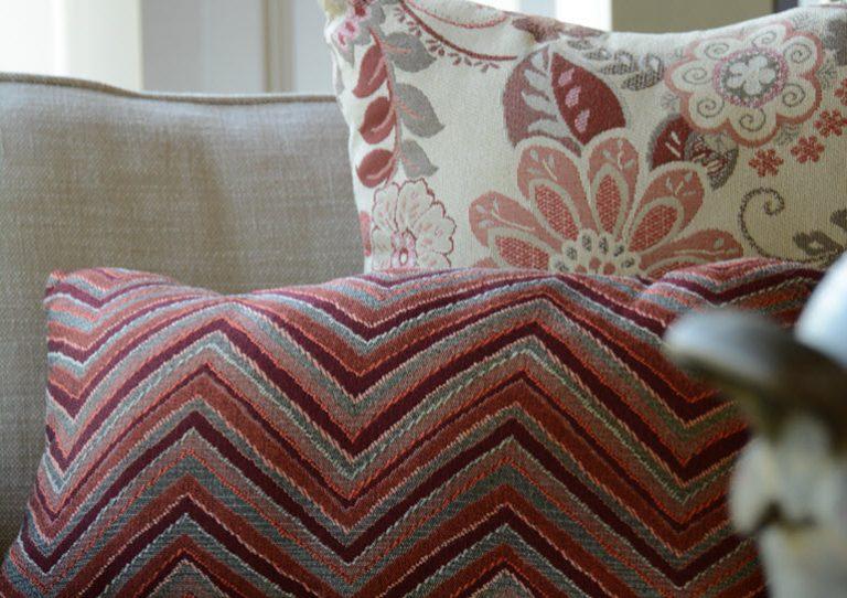 Almofada para exterior GeoBella / Reds Almofada e tecido para almofadas