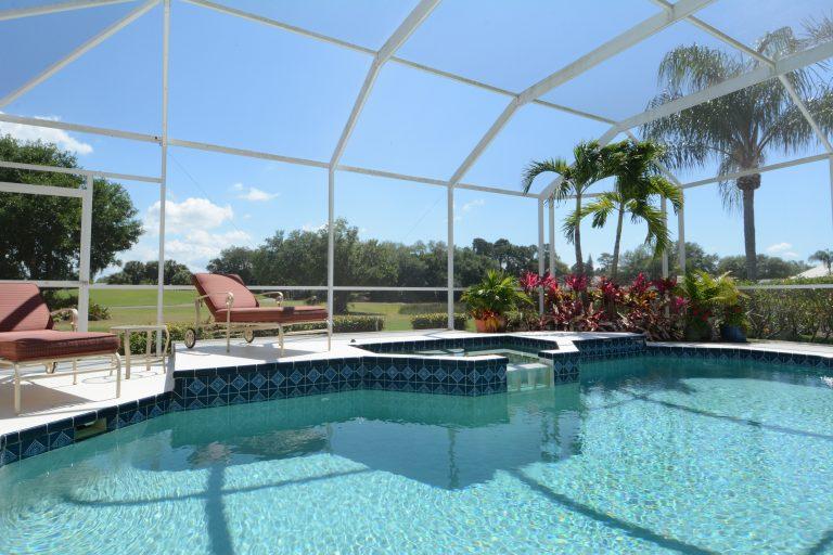 Tela de piscina e pátio Phifer 18 x 14 em malha de fibra de vidro